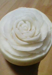 かぶに咲いたバラ
